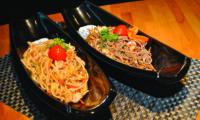 Spaghetti di grano saraceno con gamberi e verdure